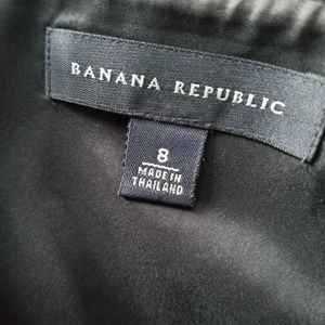 Banana Republic Dresses - Banana Republic Classic LBD 8 Strapless GREAT COND